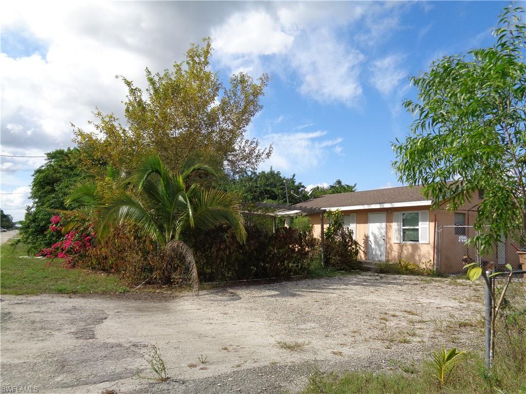 2712 7th, Lehigh Acres, Florida 33976