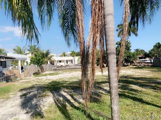 1905 N Hibiscus Dr, North Miami, Florida 33181