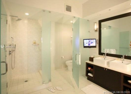 5300 NW 87th Ave Unit 1301, Doral, Florida 33178