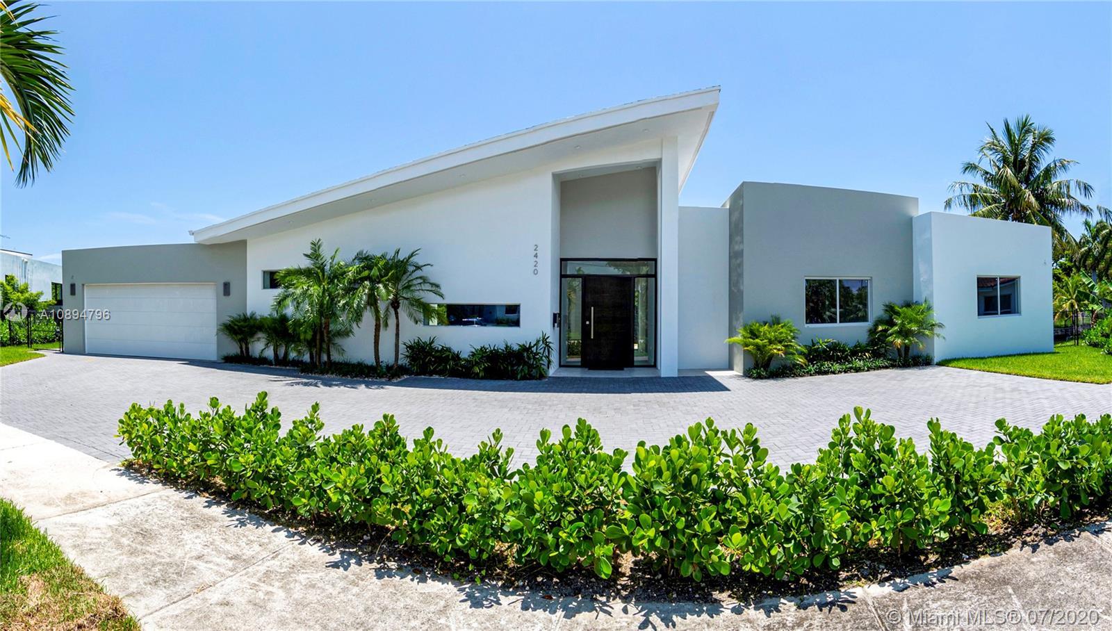 2420 NE 194th St, Miami, Florida 33180
