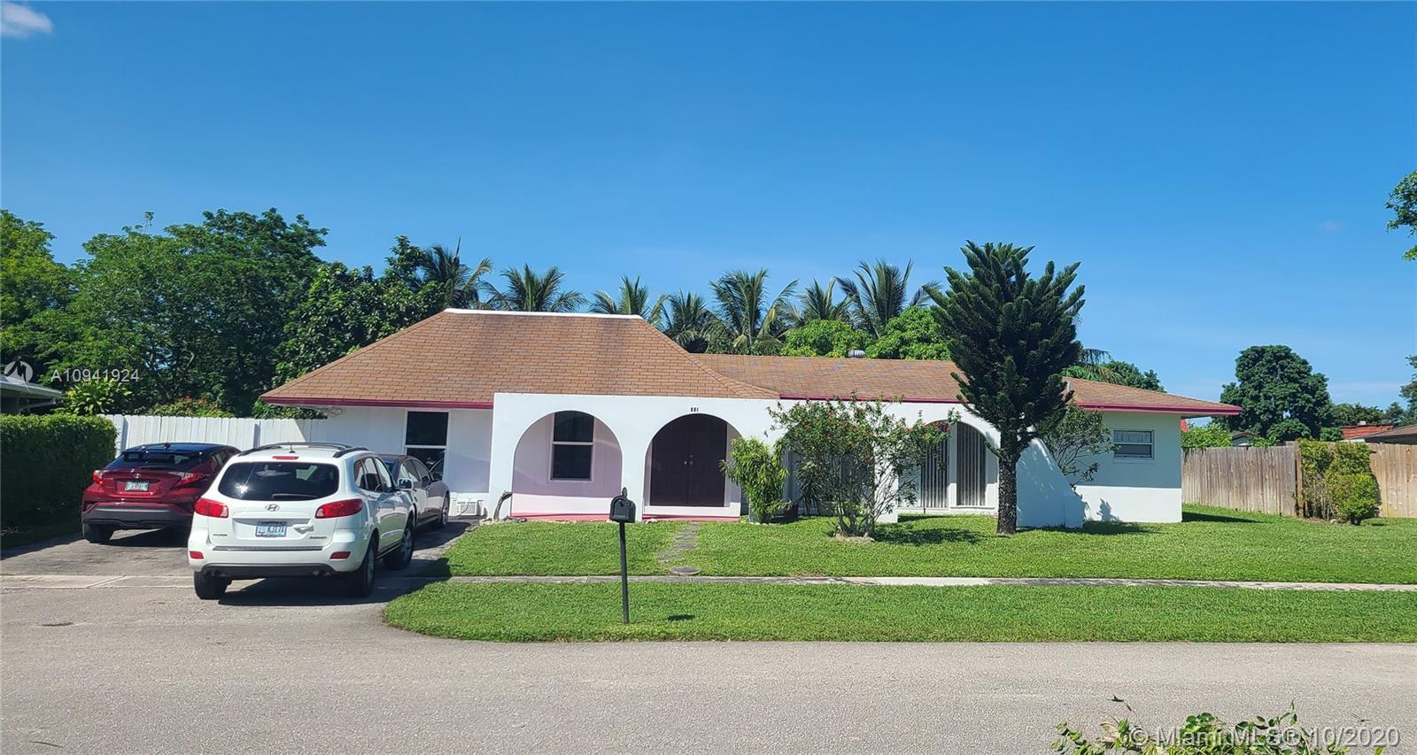 931 Hibiscus Drive, Royal Palm Beach, Florida 33411