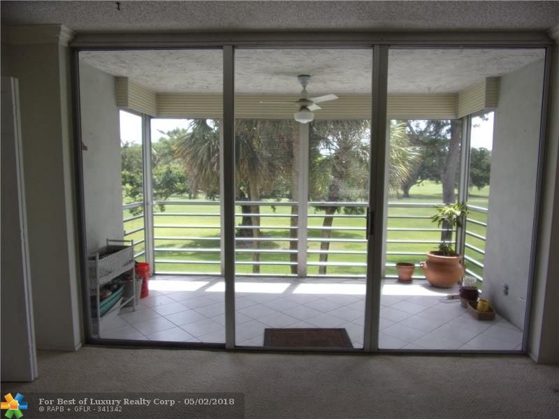 Palm Aire, 565 Oaks Ln Unit 210, Pompano Beach, Florida 33069