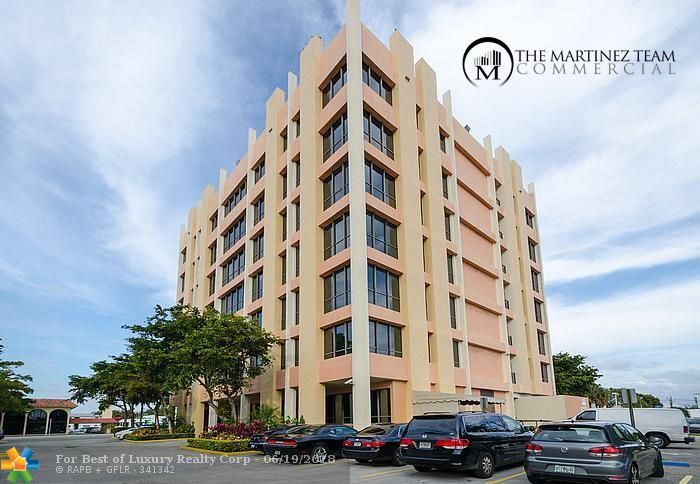2450 Hollywood Blvd Unit CU401, Hollywood, Florida 33020