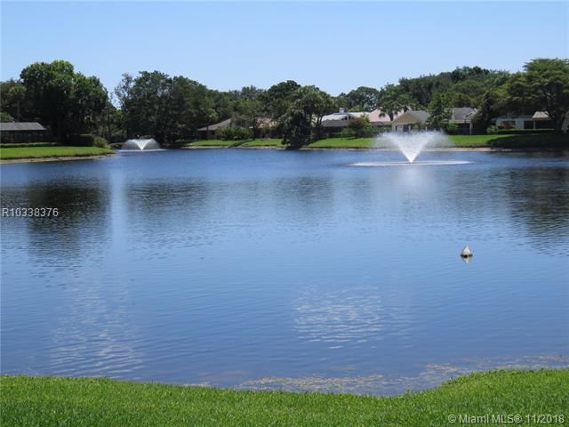 6474 NE Woodthrush Ct, Palm Beach Gardens, Florida 33418
