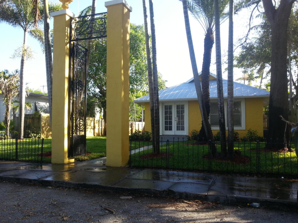 322 N M, Lake Worth, Florida 33460