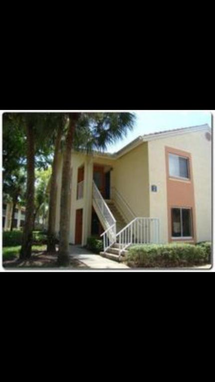 1052 The Pointe, West Palm Beach, Florida 33409