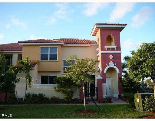 2938 Hope Valley Unit 111, West Palm Beach, Florida 33411