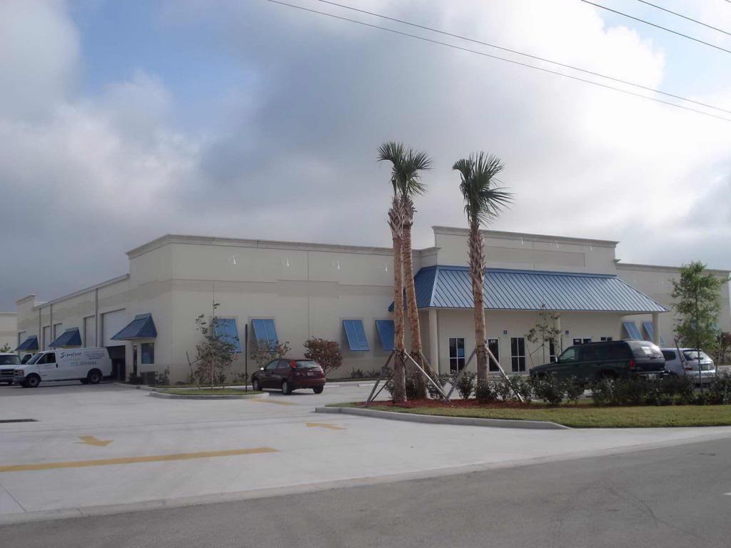 414 NW Lake Whitney, Port Saint Lucie, Florida 34986