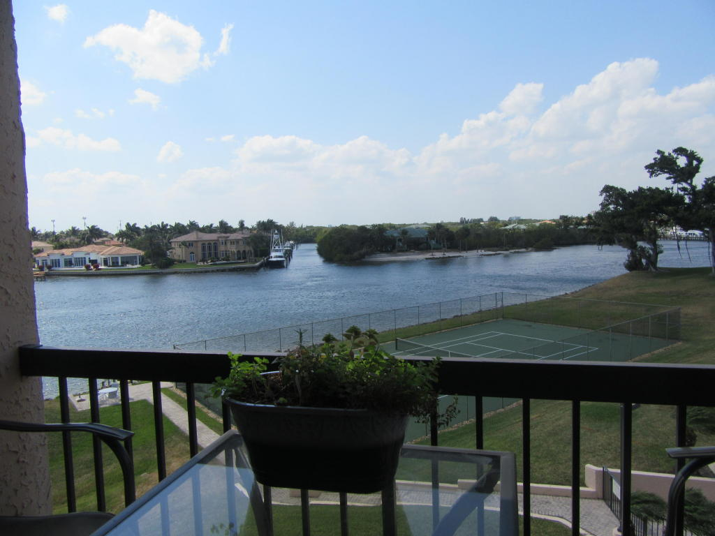364 Golfview Unit 404, North Palm Beach, Florida 33408