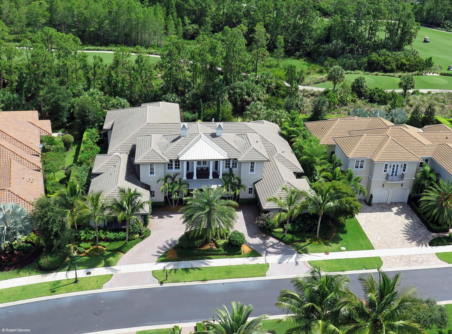 105 Via Palacio, Palm Beach Gardens, Florida 33418