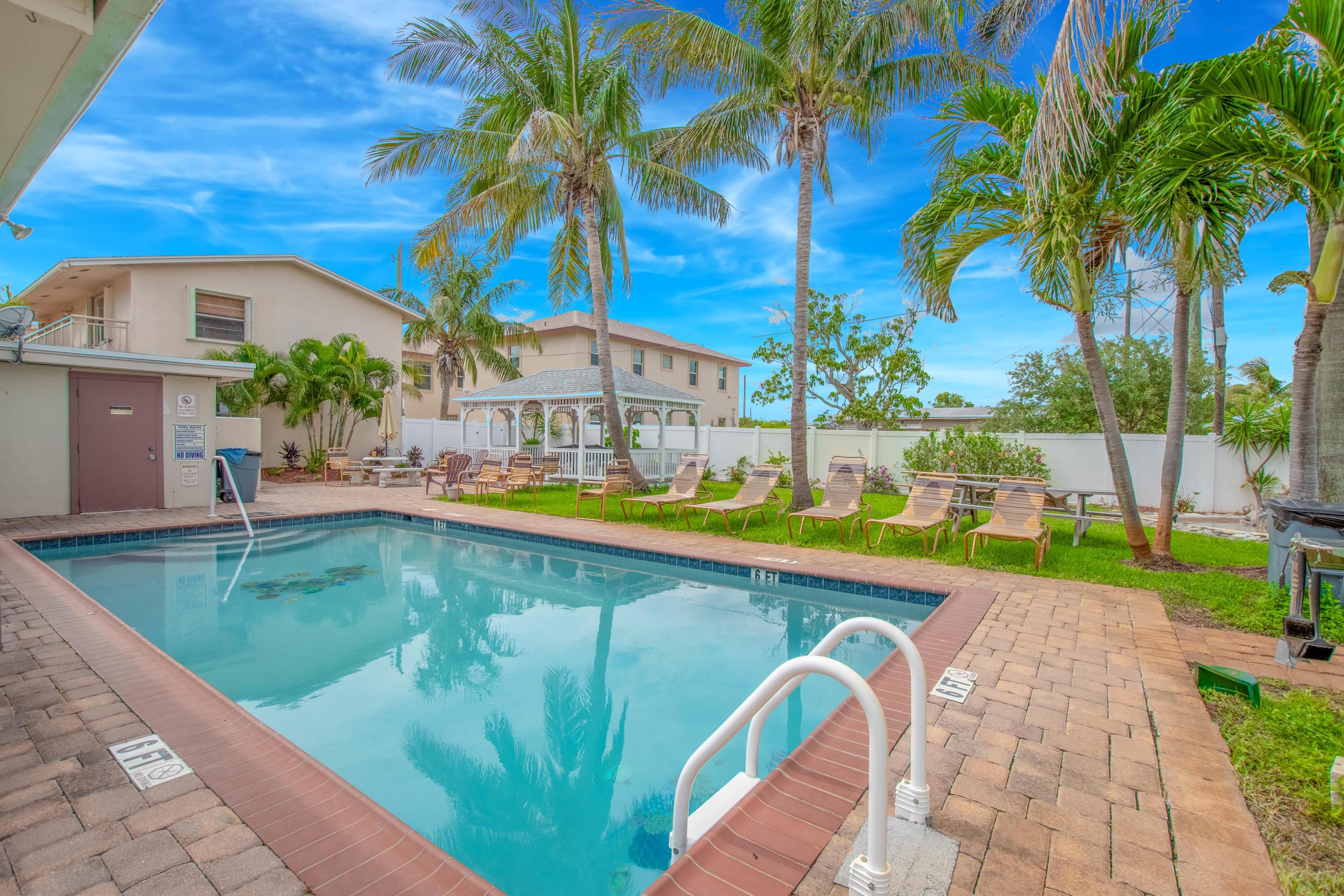 501 W Perry, Lantana, Florida 33462