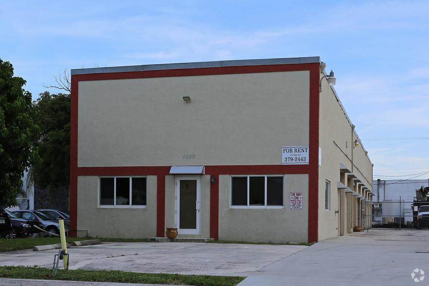 1343 S Killian Unit 1, Lake Park, Florida 33403