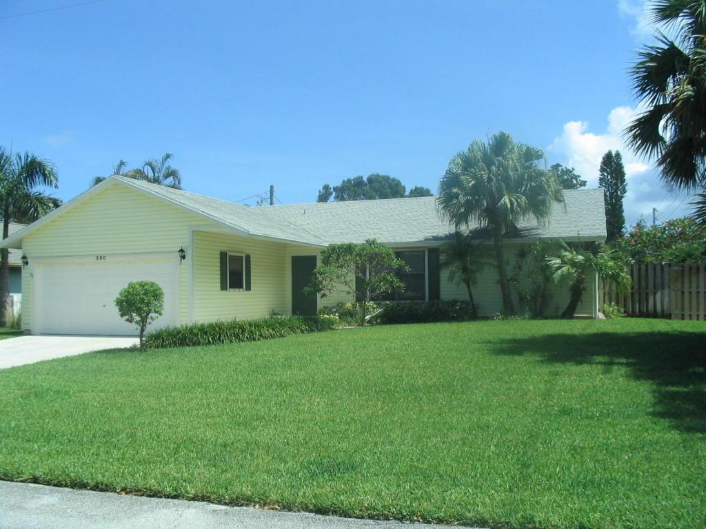 380 Beacon, Tequesta, Florida 33469