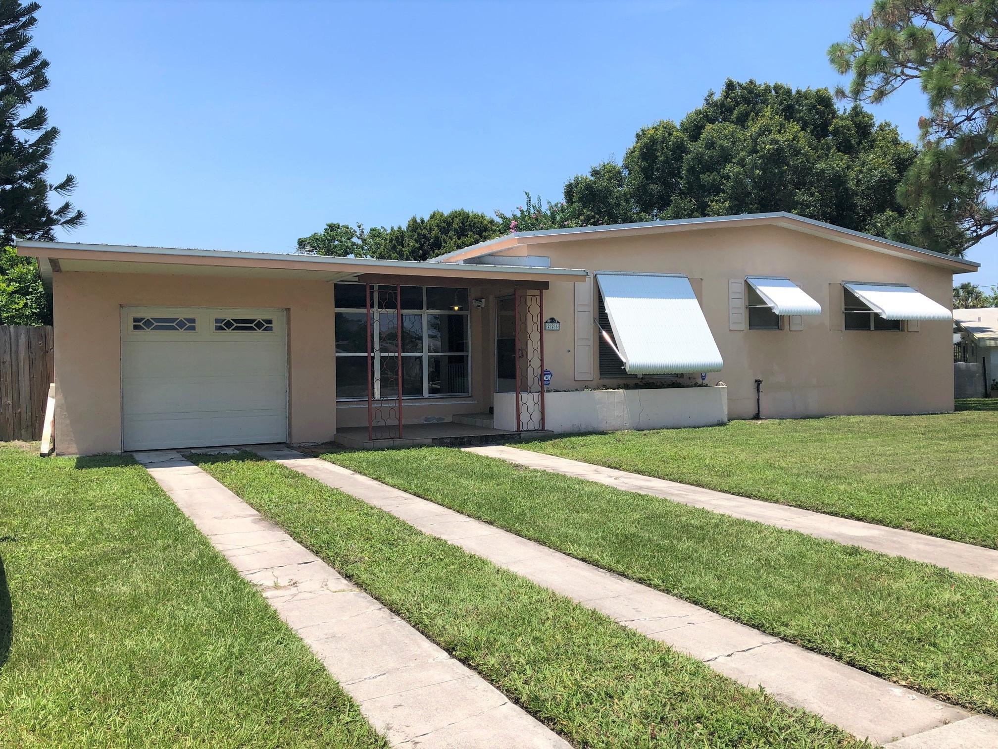 225 NE Prima Vista, Port Saint Lucie, Florida 34983