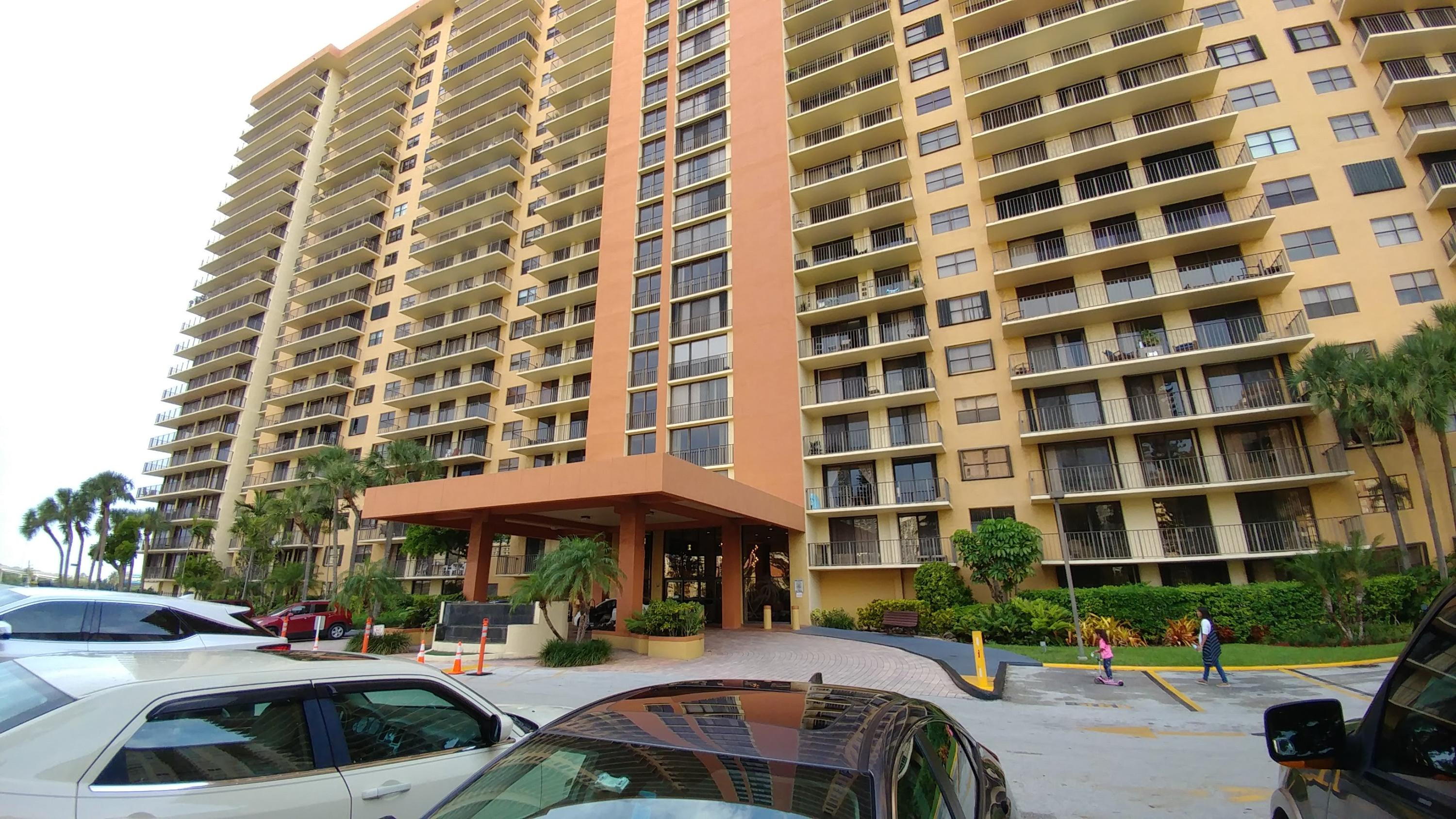 Winston Towers 700 Condos For Sale in Sunny Isles Beach, FL :: 22+ ...