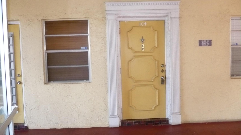 3990 NW 42nd Unit 104, Lauderdale Lakes, Florida 33319