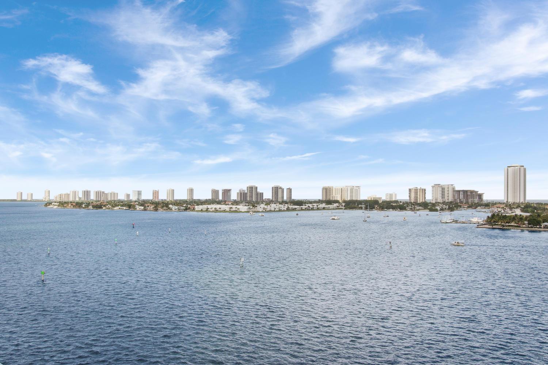 2640 Lake Shore Unit 815, Riviera Beach, Florida 33404
