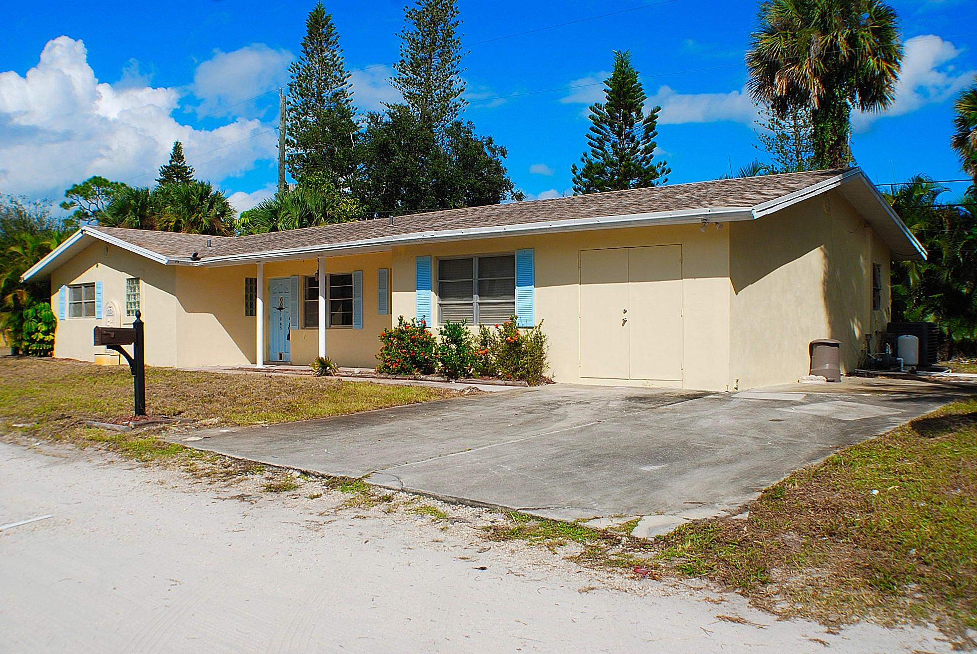 1065 NE Banyan Tree, Jensen Beach, Florida 34957