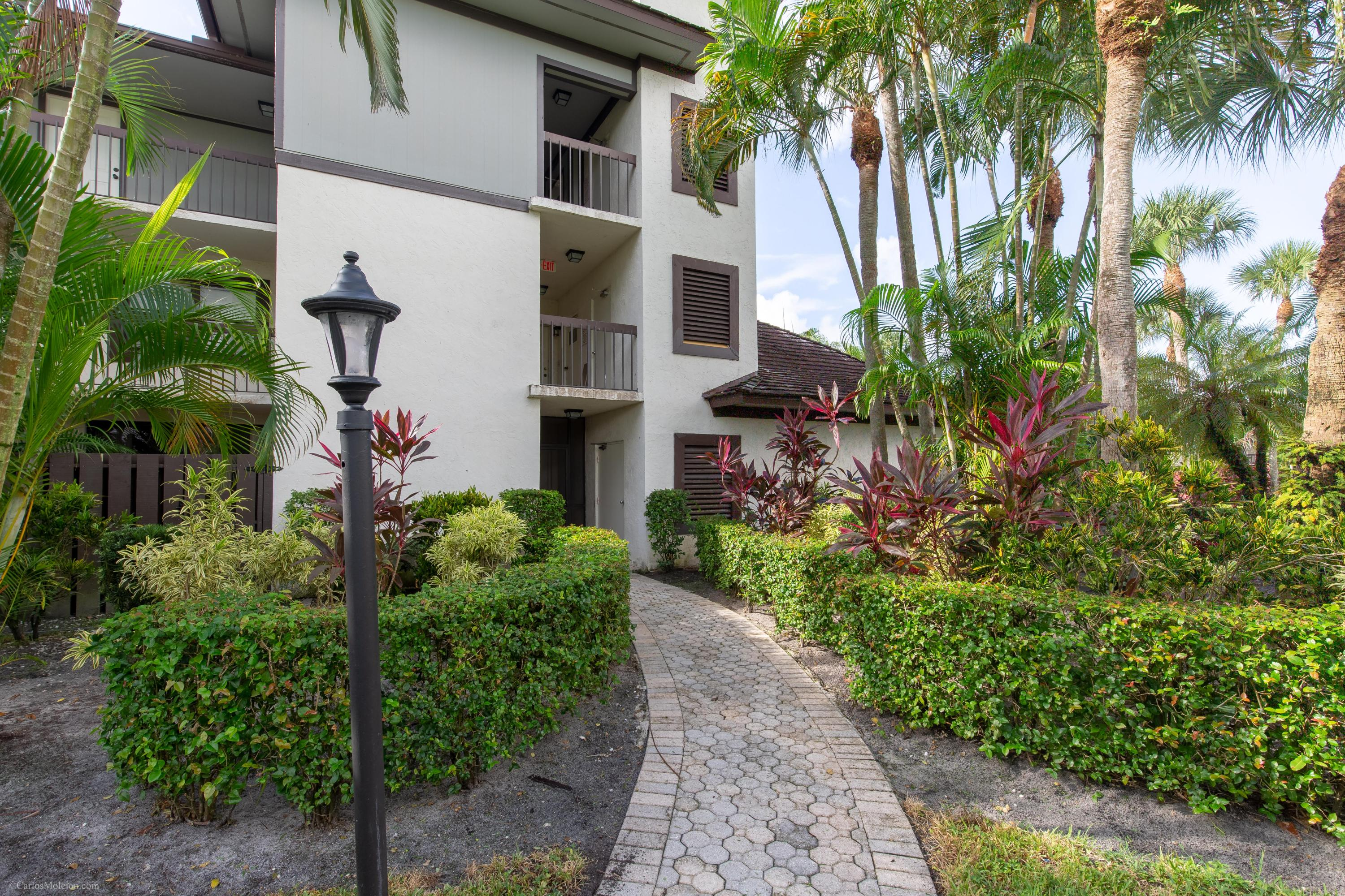 13274 Polo Club Unit B202, Wellington, Florida 33414