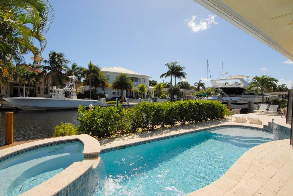 Coral Key Villas, 4900 NE 28th, Lighthouse Point, Florida 33064