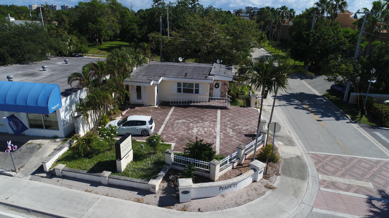 1000 N Dixie, Boca Raton, Florida 33432
