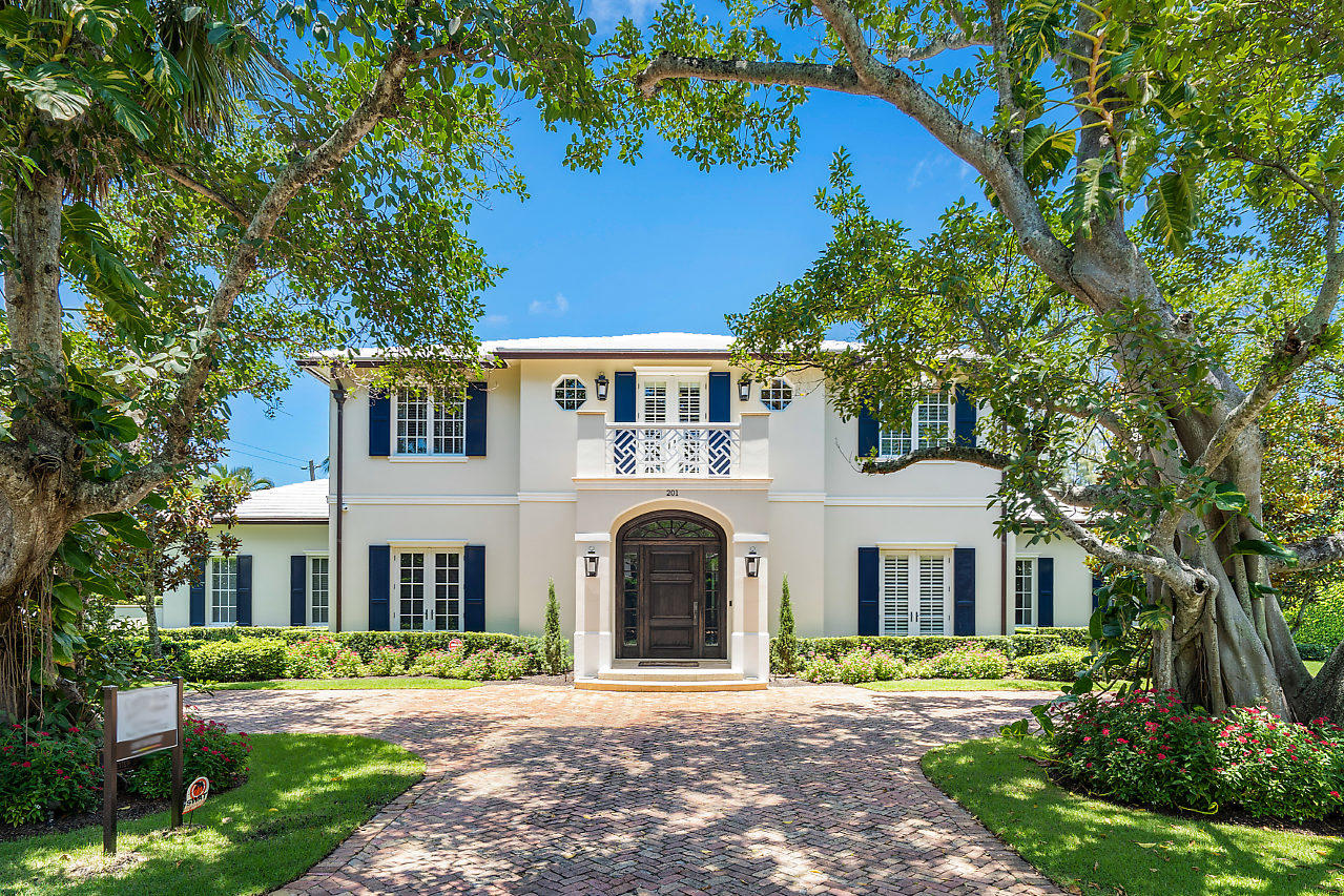 201 Lakeview, Gulf Stream, Florida 33483