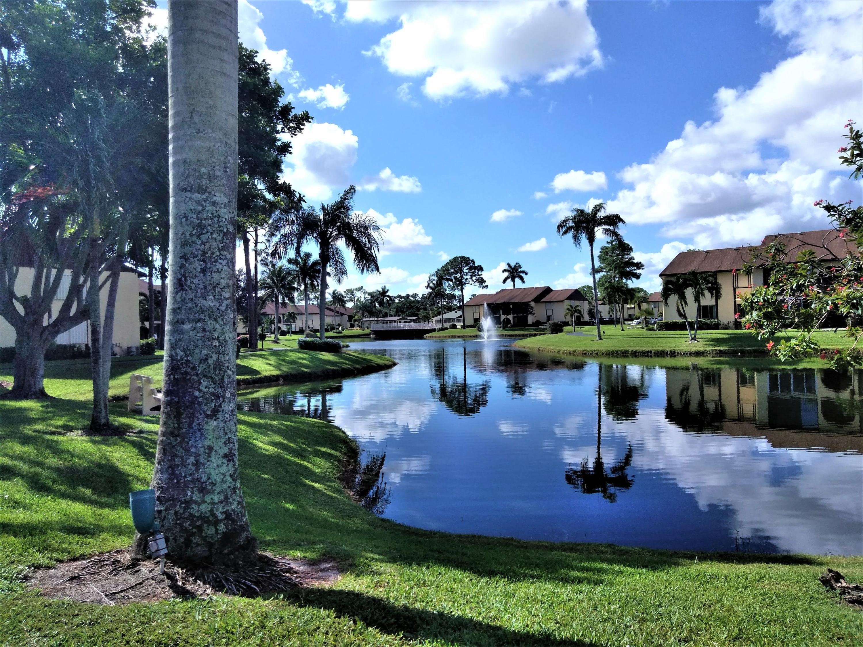 218 Pine Hov Unit C-2, Greenacres, Florida 33463