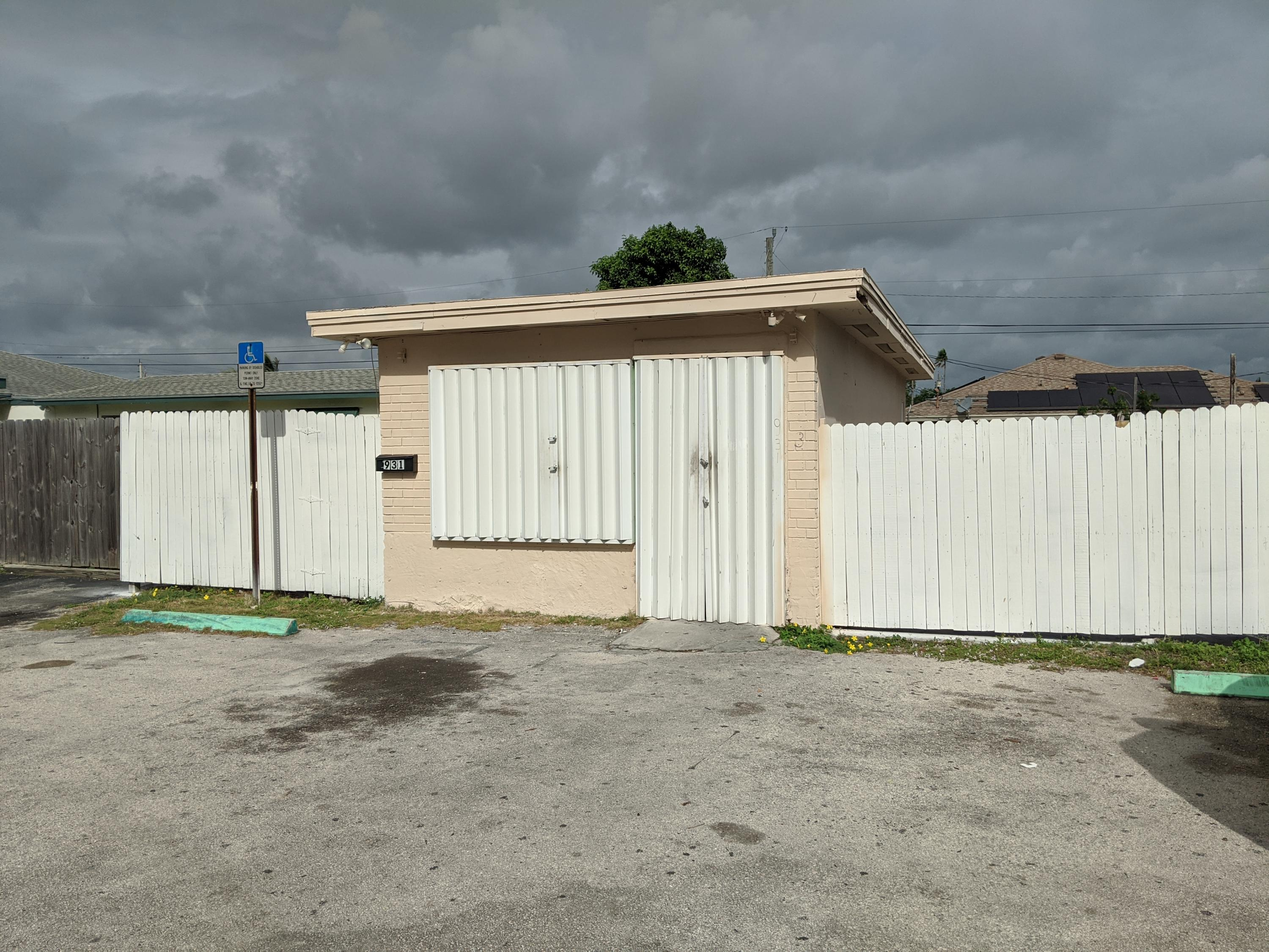 931 Miner, Lake Worth, Florida 33462