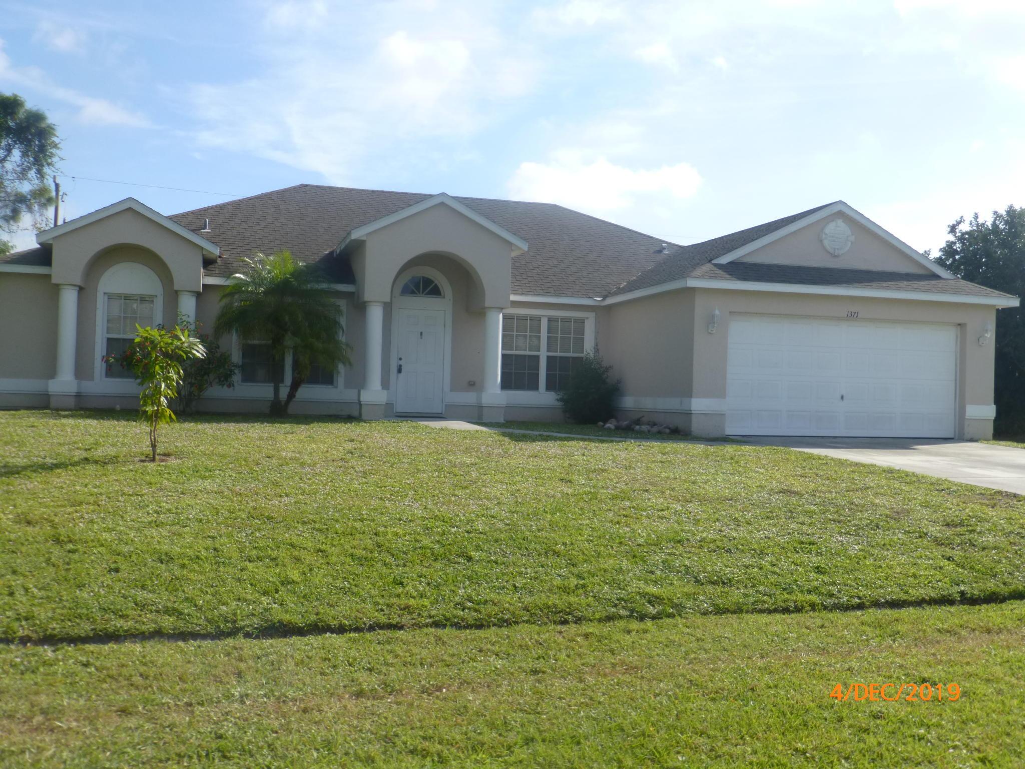 1371 SE Ladner, Port Saint Lucie, Florida 34983