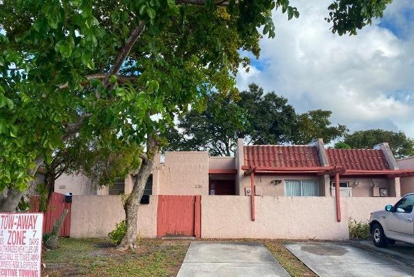 1516 NW 56th Unit 5, Lauderhill, Florida 33313
