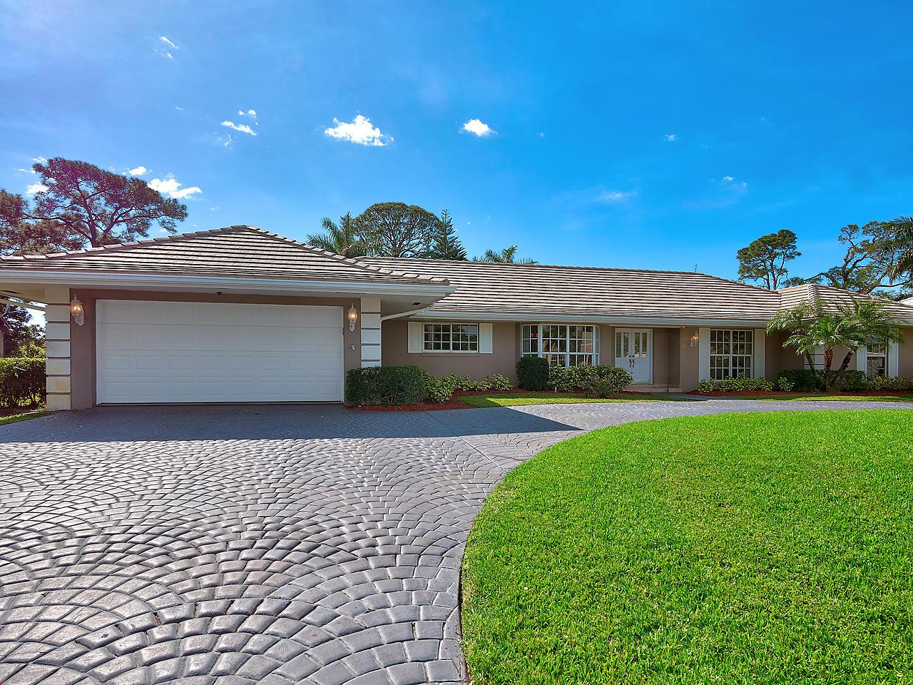 405 Muirfield, Atlantis, Florida 33462