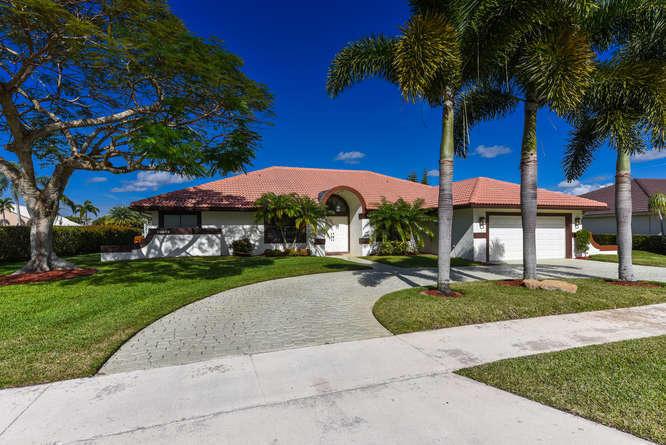 Boca Country Club, 10869 River Glenn, Boca Raton, Florida 33428