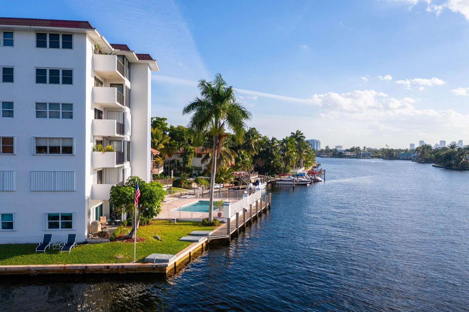 Rivers Bend, 1839 Middle River Unit 404, Fort Lauderdale, Florida 33305