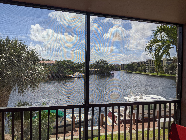 Boca Bayou Condo, 22 Royal Palm Unit 2050, Boca Raton, Florida 33432