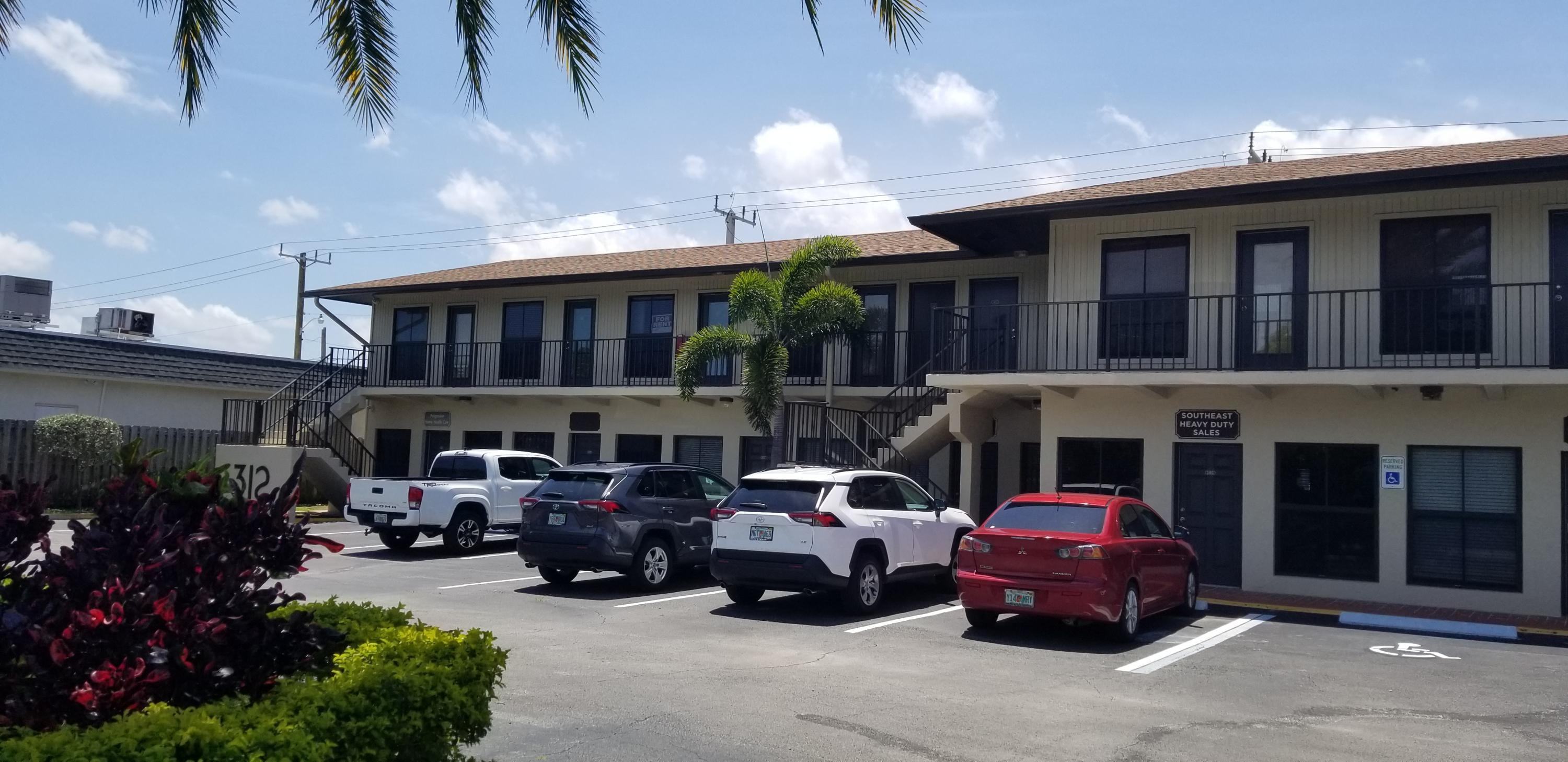312 S Old Dixie Unit 208, Jupiter, Florida 33458
