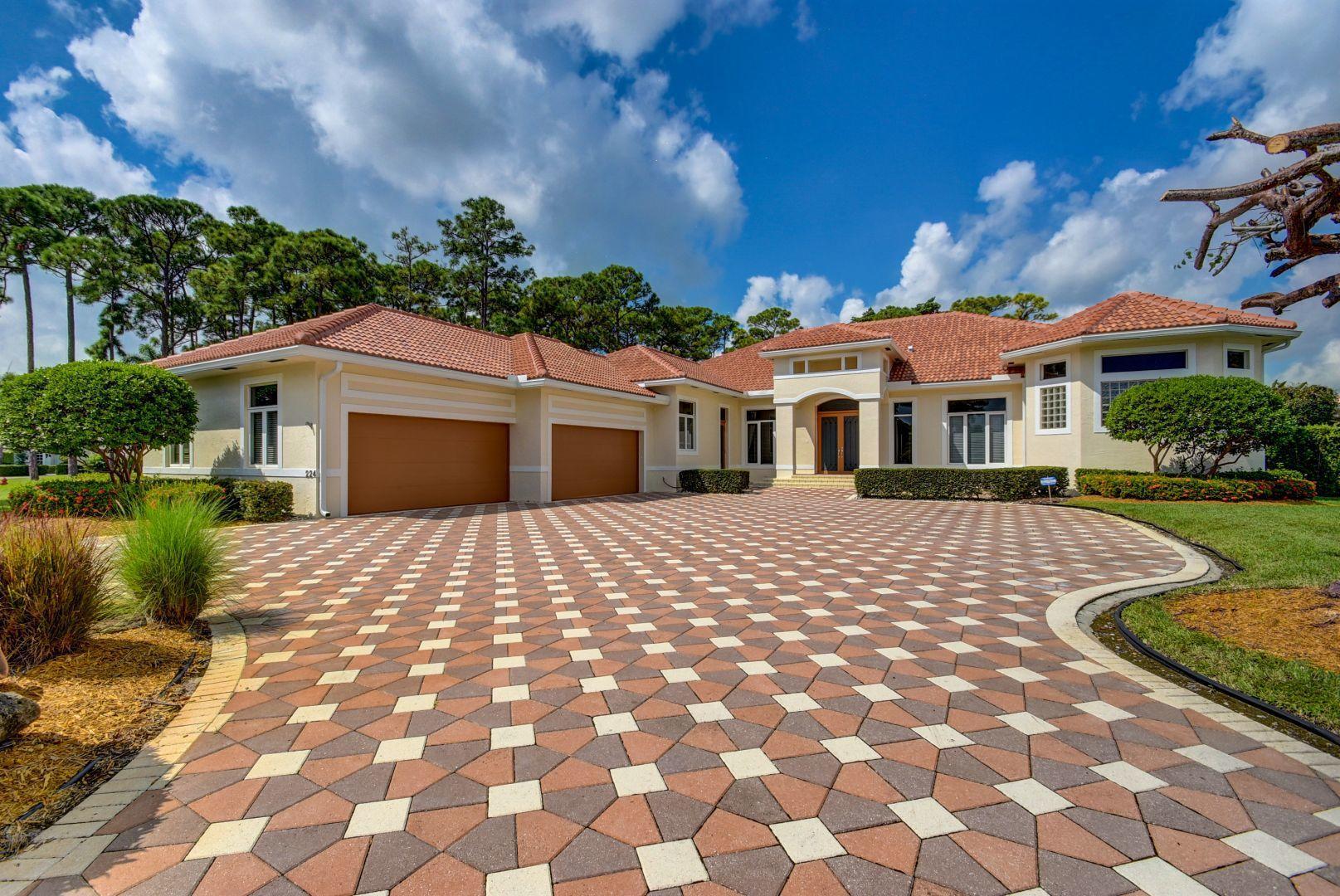 224 Turnberry, Atlantis, Florida 33462