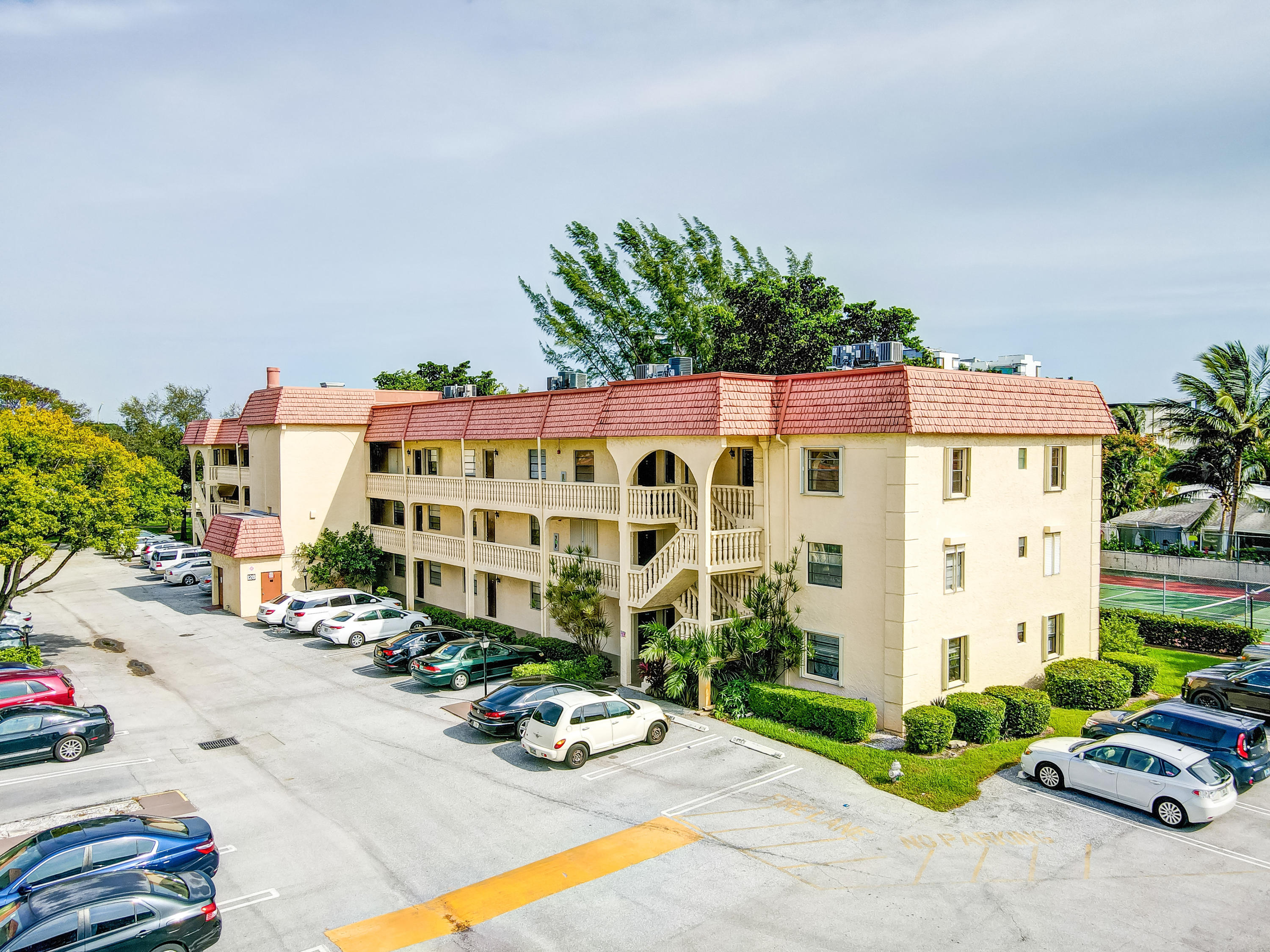 128 S Cypress Unit 838, Pompano Beach, Florida 33060