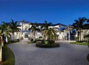 475 Gate House, Marco Island, Florida 34145