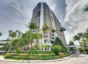 Harbor Towers, 3600 Yacht Club Dr Unit 902, Aventura, Florida 33180