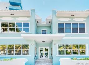 Royal Condo, 221 Collins Ave, Miami Beach, Florida 33139