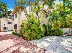 Beach Bay, 1326 16th Street, Miami Beach, Florida 33139