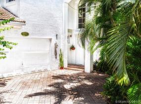 Country Club Estates, 3742 NE 199th, Aventura, Florida 33180