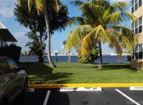 1075 NE Miami Gardens Dr Unit 807, Miami, Florida 33179