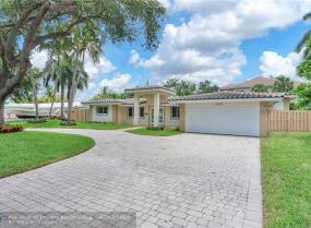 Coral Ridge Galt, 2457 Bayview Dr, Fort Lauderdale, Florida 33305
