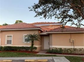 689 NW 130th Way, Pembroke Pines, Florida 33028