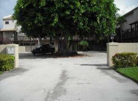 Banyan Courts, 149 NW 70th Unit 103a, Boca Raton, Florida 33487