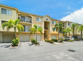 900 Crestwood Unit 909, Royal Palm Beach, Florida 33411