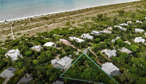 1305 Seaspray, Sanibel, Florida 33957
