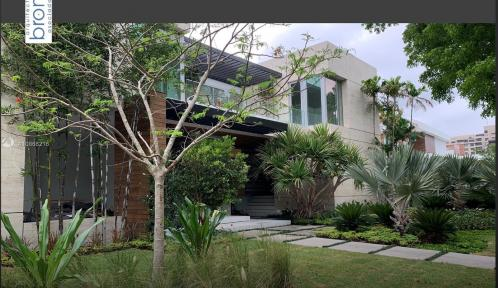 390 Pacific Rd, Key Biscayne, Florida 33149