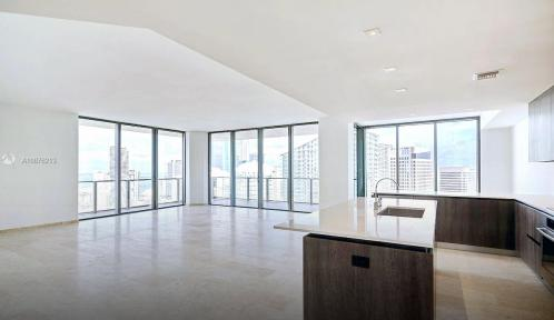 88 SW 7th St Unit T S3811, Miami, Florida 33130